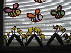 Kuvis ja askartelu: Kynttelikkö -ikkunakoriste Crafts For Kids, Arts And Crafts, Yoshi, Spring, Fictional Characters, Craft Ideas, Hands, School, Tips
