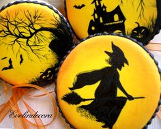 Halloween Cookies decorated with royal icing handpainted Evelindecora halloween cookies                By Evelindecora     http://blog.giallozafferano.it/evelindecora/