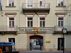 Barceló Old Town Praha (Prague, République Tchèque) occupe un ancien bâtiment du XVIIème au cœur de la vieille ville de Prague, à côté de la célèbre Tour poudrière. La décoration de l'hôtel, alliant parfaitement modernité et histoire dans chacune de ses 62 chambres élégantes et spacieuses, met en valeur ce cadre exceptionnel.