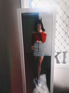 pinterest: caitiharper insta: caitiharper Girl Photo Poses, Girl Photography Poses, Girl Photos, Selfi Tumblr, School Outfits, Summer Outfits, Skirt Outfits, Cute Outfits, Look Fashion