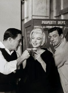 "Gene Kelly, Marilyn Monroe et Yves Montand sur le tournage de ""Let´s make love"" de George Cukor. 1960."