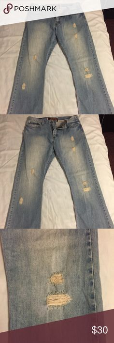 Levi's 527 Light Wash Jeans (33W x 32L) Light wash Levi's 527 jeans in perfect condition!  No stains, markings, or holes.           All products* sold by super22saver55 are pre-washed using Tide Pods, Downy Unstoppables, and Oxygen Orange for your convenience.  *Not including NWT products, products made of wool or sports wear.  *Sports wear products are washed with detergent and vinegar or baking soda. Levi's Jeans Bootcut