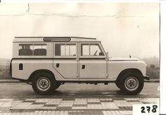Land Rover Santana Series III 109