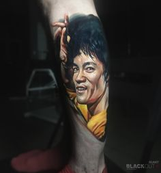 Timur Rumit @rumittattoo BLACKOUT tattoo collective @blackouttattoocollective #blackouttattoocollective #rumit #tattoo #realistic #sleeve #realism #ink #inked #blacktattoo #portrait #brucelee