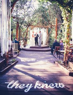 OUTSTANDING wedding shot by Paige Lowe Photography found via Green Wedding Shoes and I just LOVE it!