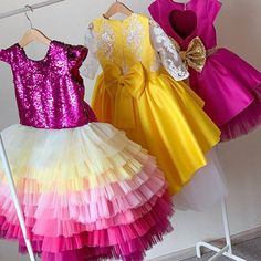How gorgeous are these? Beautiful Heirloom quality custom dresses for your Little Princess shop link . Girls Party Wear, Baby Girl Party Dresses, Birthday Dresses, Baby Dress, Girls Dresses, Baby Girl Boutique, Kids Gown, Party Frocks, Princess Dress Kids