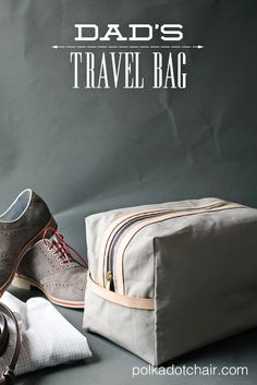 Dad's Travel Bag, a free sewing pattern tutorial for a dopp case.  Great DIY gift idea for Father's Day