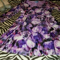 Nanette lepore formel  elgant dress new condition! Purple roses n a little hint of pink of shades pretty pattern just used once Nanette Lepore Dresses Long Sleeve