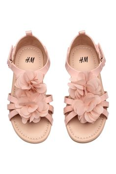 Sandals with Appliqué - Powder pink - Kids H&m Fashion, Fashion Online, Kids Fashion, Girls Sandals, Girls Shoes, H&m Shoes, Baby Shoes, Summer Day Dresses, Hook And Loop Fastener