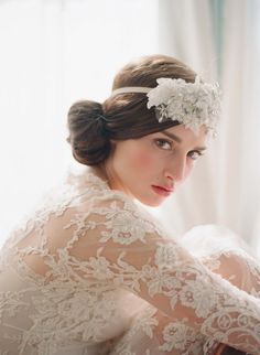 Absolutely AMAZING Bridal headpiece with lace and crystal accents - VERY Great Gatsby! #1920s #greatgatsby