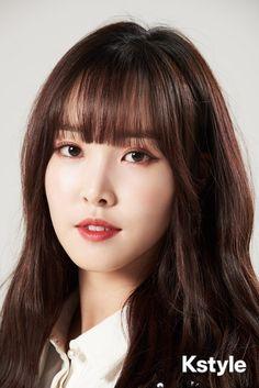 in KStyle Interview 190315 Kpop Girl Groups, Korean Girl Groups, Kpop Girls, Gfriend Yuju, Gfriend Sowon, K Pop, Cloud Dancer, G Friend, Entertainment