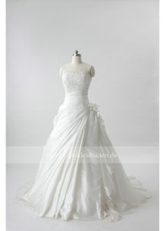 herbst und winter brautkleid verkaufen One Shoulder Wedding Dress, Wedding Dresses, Winter, Sleeves, Fashion, Sell Wedding Dress, Wedding Dresses Online, Chic, Autumn