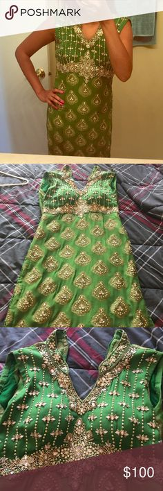 Gorgeous embellished green Indian outfit NWOT - 3 piece fits size 4 best Dresses