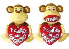 MONKEY PELUCHE BOCCA ZIP. Peluche a forma di scimmia con cuore cucito all'interno delle mani e dei piedi e bocca chiusa da una zip con piccola dedica all'interno