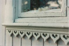 sweet heart design on gingerbread wood trim Swedish Interior Design, Cosy Home, House Trim, Swedish House, Decorative Trim, Scandinavian Home, Victorian Homes, Architecture Details, Cottage Style