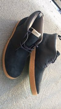 4e6d501a0 Navy blue-and-brown clarks chukka boots in - letgo Boots For Sale