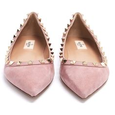 Valentino Rockstud suede flats ($745) ❤ liked on Polyvore featuring shoes, flats, pink flat shoes, flat shoes, flat pumps, pointy toe flats and studded flats