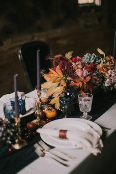 Wedding colors autumn table settings for 2019 Non Floral Centerpieces, Fall Wedding Centerpieces, Centerpiece Ideas, Centerpiece Flowers, Indoor Fall Wedding, Autumn Wedding, Rustic Wedding, October Wedding, Fall Table Settings