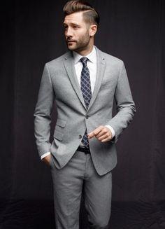 Wonder what he has for his footwear #mensuit #greysuit