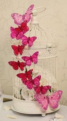 of the Best Shabby Chic Home Decoration Ideas Keep Calm and DIY!: 75 of the Best Shabby Chic Home Decoration IdeasKeep Calm and DIY!: 75 of the Best Shabby Chic Home Decoration Ideas Baños Shabby Chic, Shabby Chic Bedrooms, Shabby Chic Homes, Bedroom Vintage, Trendy Bedroom, Butterfly Party, Butterfly Cage, Butterfly Wedding, Butterfly Bedroom