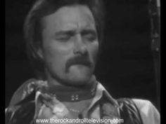 Killer performance from the the guitarist who helped start the country rock music genre. Dickey Betts, Music Jam, Rock Videos, Allman Brothers, Music Genre, Rock N Roll Music, Fitness Gifts, Photo Checks, 35mm Film