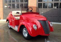 Luxury Golf Cart w/the Body Kit of a Classic Vehicle~ Custom Golf Cart Bodies, Custom Golf Carts, Golf Cart Body Kits, Golf Trolley, Golf Club Sets, Golf Putting, Kit Cars, Small Cars, Golf Tips