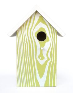 New large birdhouse. Modern design. Top comes off for seasonal cleaning.