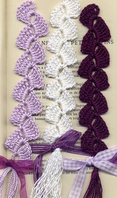 "Book Marks :) MARQUE-PAGES ""Violettes épanouies"" © Creation by Framboisine Berry ©. Handmade original concept and realisation."