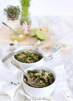 Szparagowa sałatka z quinoa i limonowo-musztardowym vinegrettem
