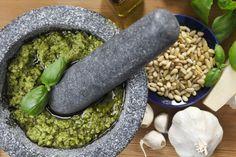 Pesto fatto in casa, la ricetta tradizionale - Non Sprecare