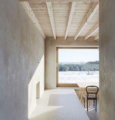 inside atrium house in gotland, sweden designed by tham & videgård architects ⠀ ⠀ #thamvidegard more #architecture in sweden on designboom!⠀ image: @akeeson