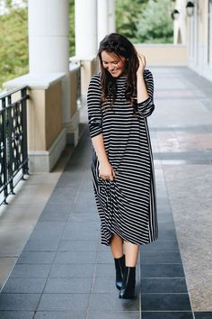 Style Blogger Courtney Toliver. Dainty Jewell's Modest Basics Dress.