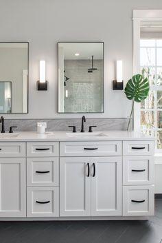 Classic White Bathrooms, White Master Bathroom, White Bathroom Cabinets, White Vanity Bathroom, Classic Bathroom, Bathroom Renos, Bathroom Black, White Cabinets, Bathroom Ideas