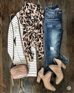 Striped tunic tee and leopard scarf fall outfit