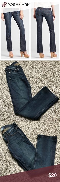 """🍀 Lucky Brand Jeans Ol Thistle Zoe Boot Size 2/26 Great condition, barely worn! Style is called the Zoe Boot and the wash is Ol Thistle. Waist 14""""  Inseam 29"""" Outseam 37"""" Rise 7"""" Lucky Brand Jeans Boot Cut"""