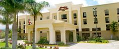 Hampton Inn & Suites Entrance