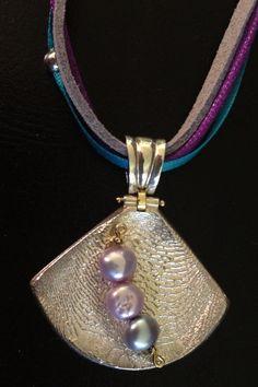 Siren Jewellery Sterling Silver 18 karat gold cuttlebone cast pearl pendant