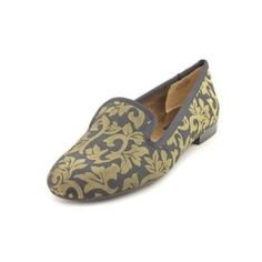 Nine West Lavalu Basic textile casual shoe Color options: Gold Width: Medium Style: Loafer Material: Basic textile upper and man-made outsole Heel height/type: 0.25-inches Sole: Man-made Gender: Women Measurement taken from size: 10.                         Never Worn!!!!! Nine West Shoes Flats & Loafers