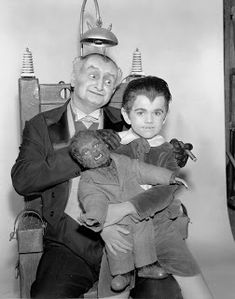 """Grandpa aka Sam Dracula, Count of Transylvania (Al Lewis) and Eddie Munster (Butch Patrick) sharing quality time in """"The Munsters"""", w/ Wolfie. Munsters Tv Show, The Munsters, Munsters Grandpa, Old Tv Shows, Movies And Tv Shows, Dracula, La Familia Munster, Yvonne De Carlo, Famous Monsters"""