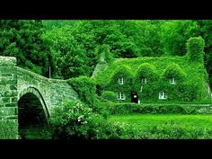 Enchanting Fairy-tale English Country Cottages From the Heart of England's Countryside - YouTube Cottages England, Cottages In Wales, English Cottage Style, English Country Cottages, English Country Decor, Landscape Design Small, Modern Garden Design, Home Design, Design Ideas