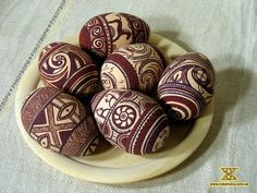 Click to close image, click and drag to move. Use arrow keys for next and previous. Ukrainian Easter Eggs, Ukrainian Art, Thanksgiving, Diy Inspiration, Egg Designs, Faberge Eggs, Egg Art, Egg Decorating, Diy Weihnachten