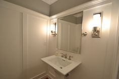 Love the molding in this bathroom.  Great alernative to bead board.