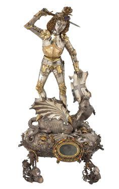 St. Georgsreliquiar aus Elbing vermutlich Bernt Notke (um 1435-1509)um 1480Lübeck Silber, teilvergoldet, Korallen, Amnethyste und RubineH 46 cm   Museum für Kunst und Gewerbe Hamburg