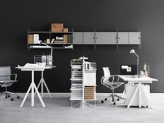 The String Works office furniture concept is the creation of designers Anna von Schewen and Björn Dahlström includes an ergonomic adjustable-height desk in the style of the iconic String system. Awarded a German Design Award 2016 for Office Furniture. Adjustable Height Table, Adjustable Desk, Bureau Design, Office Furniture, Furniture Design, Shelving Systems, Workspace Inspiration, Work Desk, Design Awards