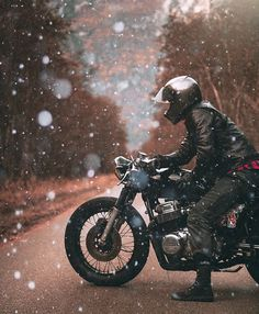 Cafe racer snowing