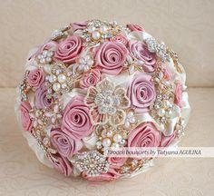 Ramo de broche. Depositar en un rubor rosado por MagnoliaHandmade