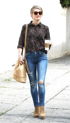 Julianne Hough created a perfect day-time look by pairing her RES Denim skinny jeans with a Two by Vince Camuto floral blouse, Joie booties and shoulder bag // #Denim