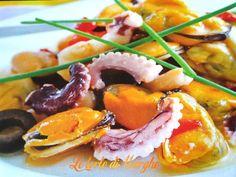 Oggi vi propongo un piatto veloce da preparare, insalata di mare al vinaigrette all'arancia. Ottima idea per chi non ha tempo da trascorrere in cucina.....