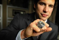 The Penguins presented their championship rings in numerical order at a private dinner last night, which meant that captain Sidney Crosby had to wait and . Hockey Mom, Hockey Teams, Ice Hockey, Pens Hockey, Hockey Stuff, Pittsburgh Sports, Pittsburgh Penguins Hockey, Sidney Crosby Stanley Cup, Stanley Cup Rings