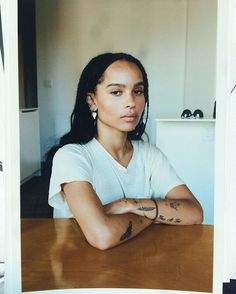 Zoe Kravitz// a beauty Looks Street Style, Looks Style, Looks Cool, Lisa Bonet, Pretty People, Beautiful People, Beautiful Women, Zoe Kravitz Tattoos, Zoe Kravitz Braids